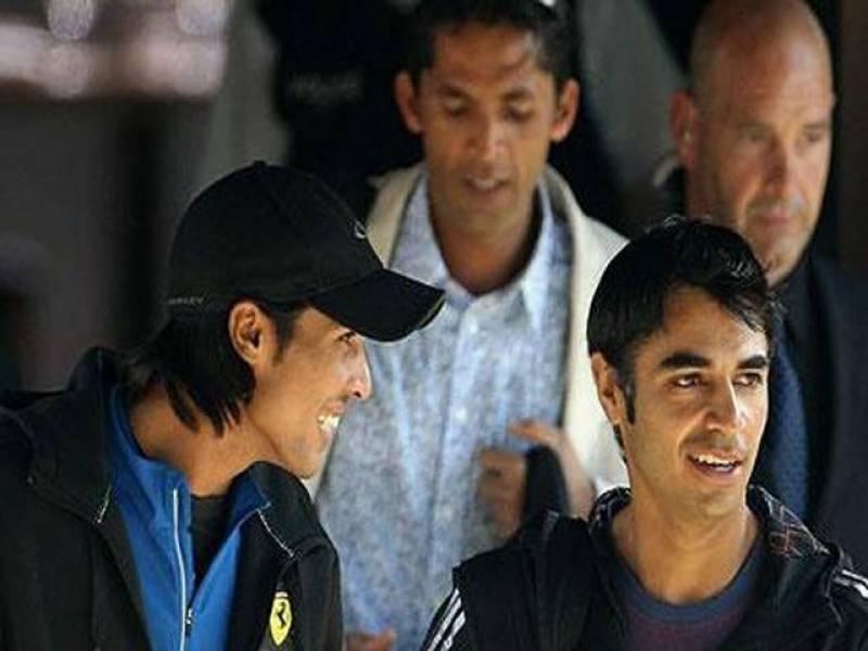 آئی سی سی نے پاکستانی کھلاڑیوں محمد عامر،محمدآصف اورسلمان بٹ کومعطل کردیا ہے۔ان تینوں کھلاڑیوں پرمیچ فکسنگ کا الزام ہے۔