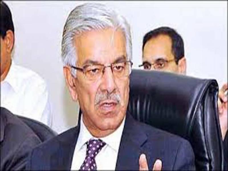 خواجہ آصف بھی سابق صدر آصف زرداری کے کراچی میں رینجرز کے بارے میں دیے گئے بیان پر بول پڑے