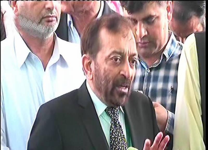 وزیراعظم مستعفی ہوکر مقدمات کا سامنا کریں: فاروق ستار