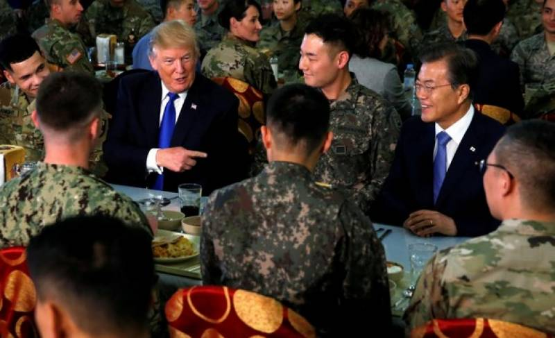 ڈونلڈ ٹرمپ خطے کے دورے کے دوران جنوبی کوریا پہنچ گئے