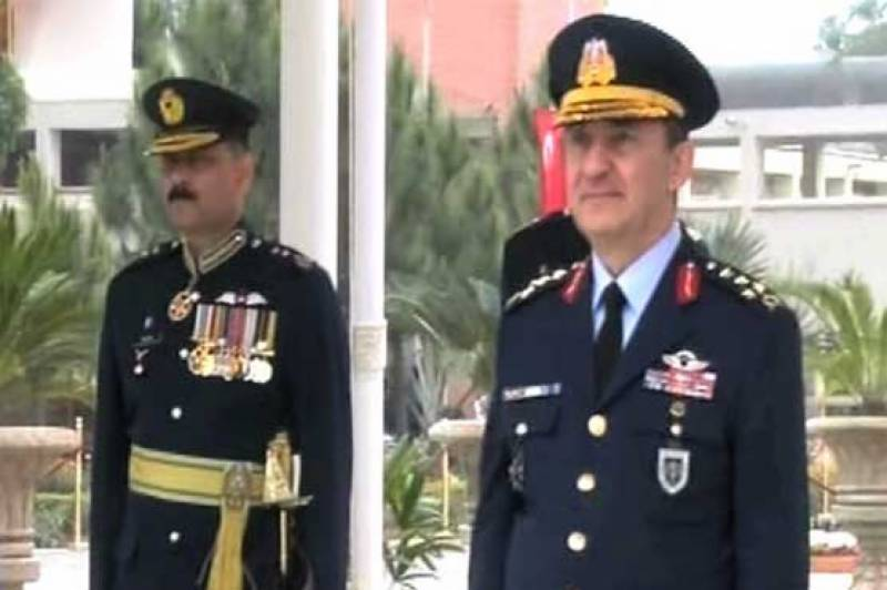 پاک فضائیہ کی 141ویں پاسنگ آؤٹ پریڈ ،ترک فضائیہ کے کمانڈر جنرل حسن کیچیکا کیاز مہمان تقریب کے مہمان خصوصی