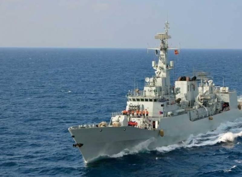 پاک بحریہ کے جہاز کابحرین کی بندرگاہ کا دورہ