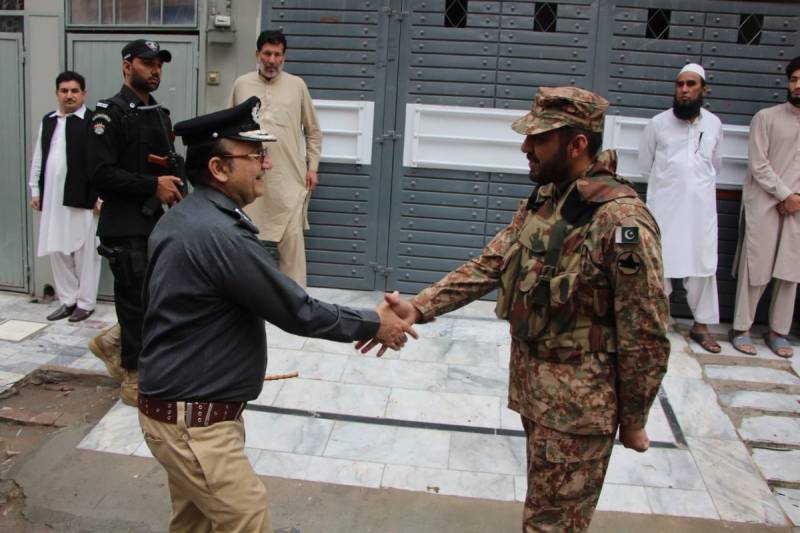 حیات آباد: دہشت گردوں کیخلاف آپریشن مکمل ،پولیس اہلکارشہید،2 اہلکار زخمی، 5 دہشتگرد ہلاک