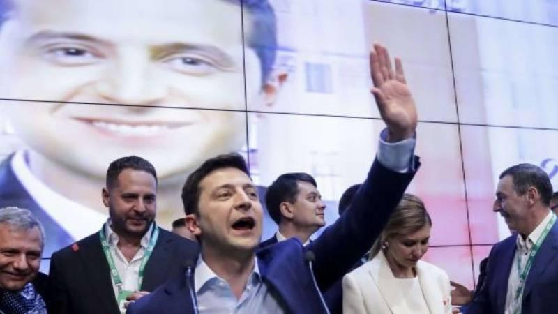 کامیڈین ویلودومیر زیلنسکی یوکرین کے صدر منتخب