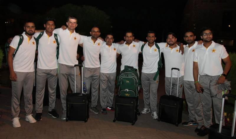 ورلڈ کپ جیتنے کا عزم لیے پاکستان کرکٹ ٹیم انگلینڈ روانہ