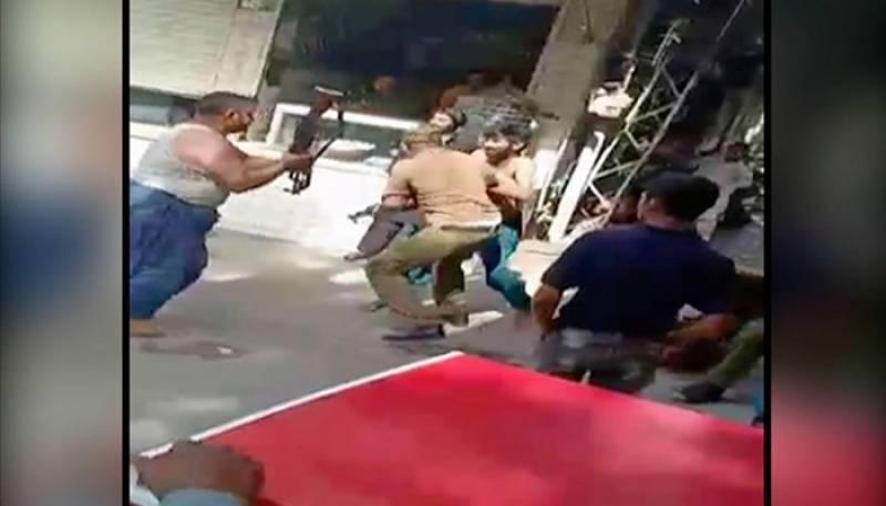 لاہور:منشیات فروشوں نے پولیس اہلکاروں کی دوڑیں لگوا دیں