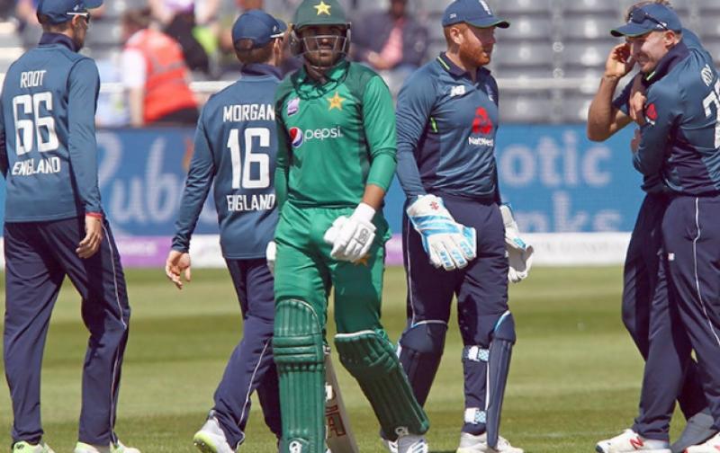تیسرا ون ڈے: پاکستان نے انگلینڈ کو 359 رنز کا ہدف دیدیا