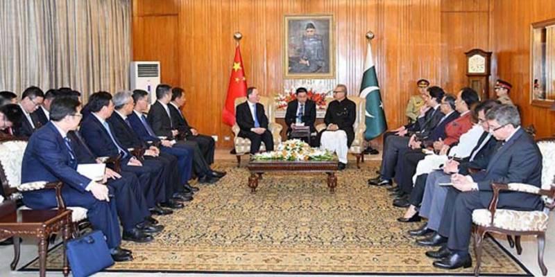 صدرعارف علوی سے چینی نائب صدر کی ملاقات، نشان پاکستان کے ایوارڈ سے نوازا