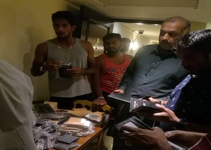 سری لنکن ٹیم کے کھلاڑیوں کی میچ سے قبل شاپنگ