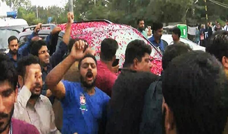 نواز شریف 16 روز بعد سروسز ہسپتال سے جاتی امرا منتقل