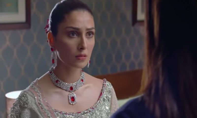 تھپڑ کھانے کے بعد عائزہ خان کا ردعمل آگیا