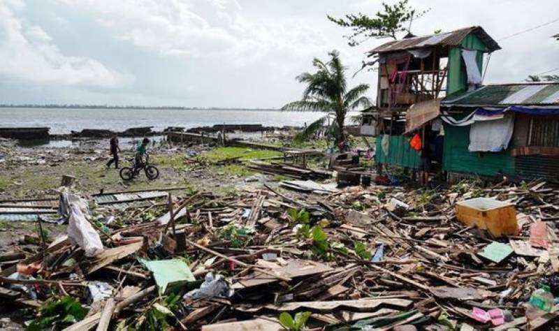 """فلپائن ' طوفان """" فانفون """" کے باعث 9 افراد ہلاک ' ہزاروں بے گھر"""