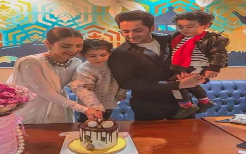 اداکارہ عائزہ خان 29سال کی ہو گئیں، سالگرہ فیملی کیساتھ منائی