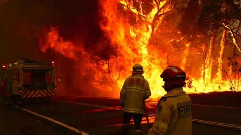 آسٹریلیا کے جنگلات میں لگی آگ بجھانے کی کوششیں جاری