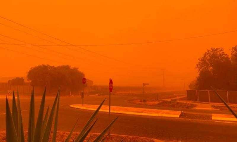 آسٹریلیا ;مٹی کے طوفان کی زد میں، آسمان نارنجی رنگ میں تبدیل