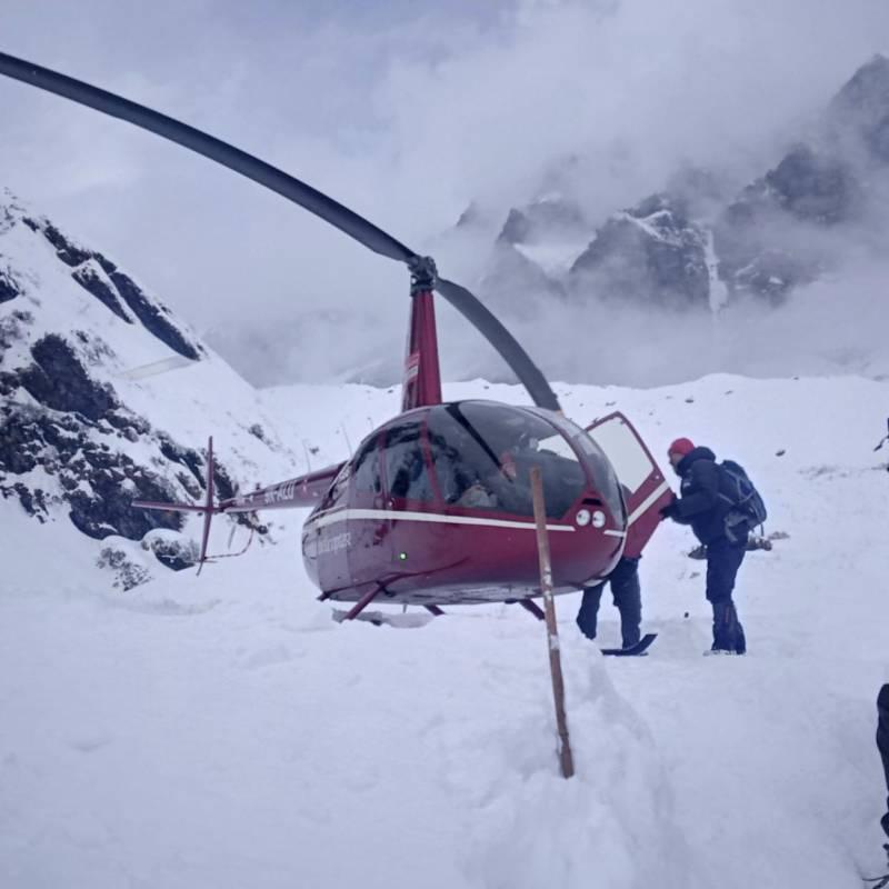نیپال : لاپتہ کوہ پیماؤں، گائیڈز کی تلاش روک دی گئی