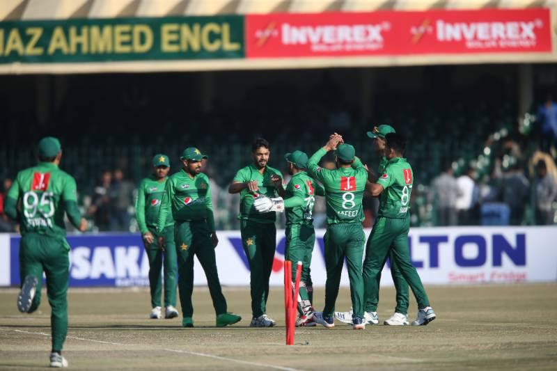 بنگلہ دیش کا پہلے ٹی20 میچ میں پاکستان کو فتح کیلئے 142رنز کا ہدف