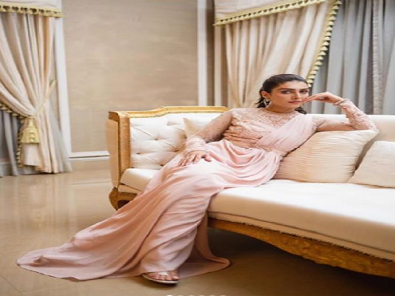 عائزہ خان کے نئے فوٹو شوٹ نے سوشل میڈیا پر ہلچل مچادی