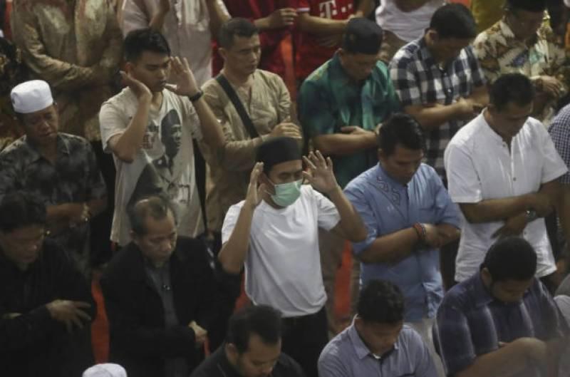 کورونا وائرس کے باعث مختلف ممالک میں مساجد اور گرجا گھر ویران