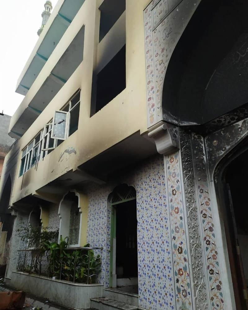 نئی دہلی: حالات بدستور کشیدہ، دہشتگردوں کا مسجد پر بھی حملہ، ہلاکتیں 13 ہو گئیں