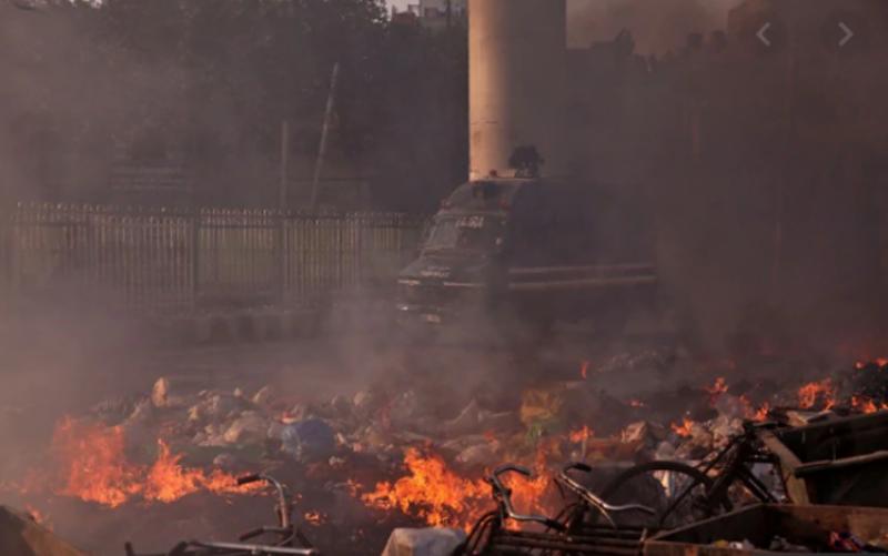 نئی دہلی: بلوائیوں کے مسلمانوں پر حملے، لوٹ مار، مساجد نذرآتش، 17 افراد جاںبحق