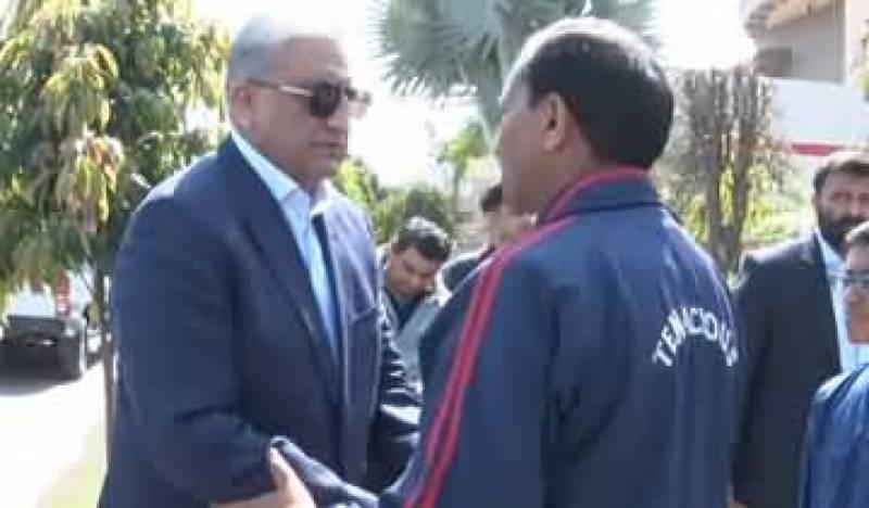 آرمی چیف جنرل قمر جاوید باجوہ کی ونگ کمانڈر نعمان اکرم شہید کے اہلخانہ سے ملاقات