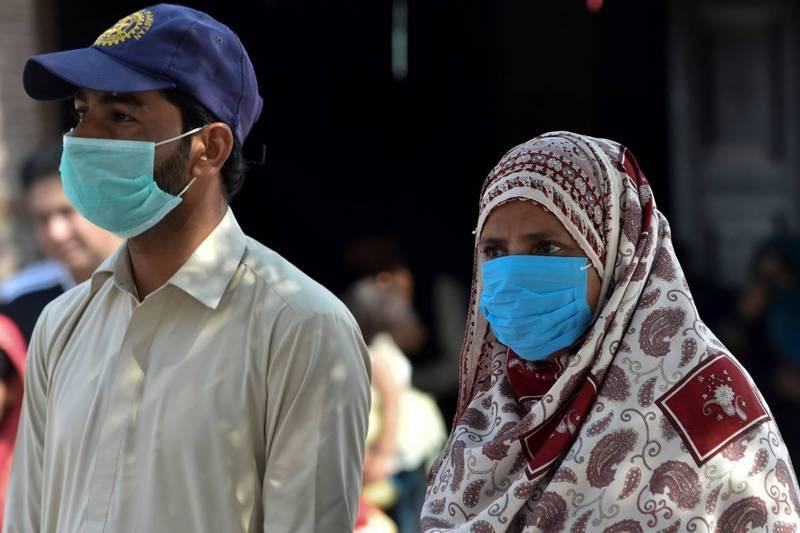 ملک میں کورونا وائرس پھیلنے لگا، مریضوں کی تعداد 972 ہوگئی