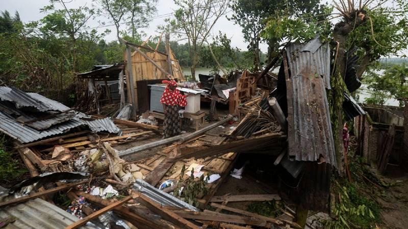سمندری طوفان امفان نے بھارت اور بنگلا دیش میں تباہی مچا دی، 16 افراد ہلاک