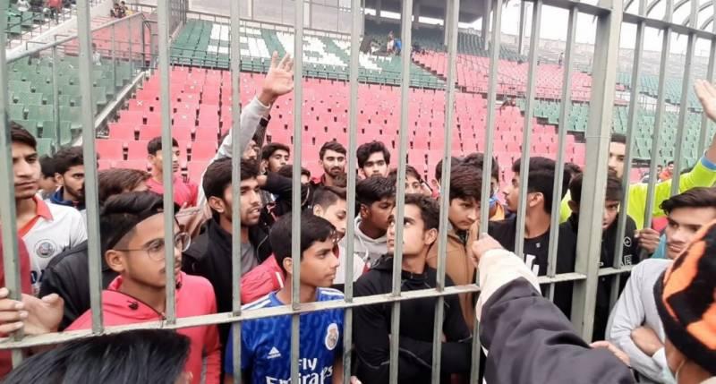پنجاب کی چار انڈر 16 ہاکی ٹیموں کے انتخاب کے لیے ہونے والے ٹرائلز میں حکومتی ایس او پیز کی کھلم کھلا خلاف ورزیاں