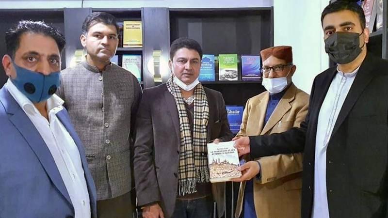 منہاج القرآن فرانس مرکز کے دروازے مسلم و غیر مسلم سب کے لئے کھلے ہیں۔ علامہ حسن میر قادری