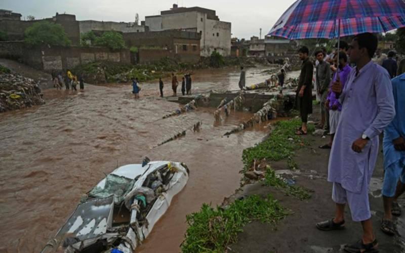 اسلام آباد : شدید بارشیں ، سیکٹر ای الیون میں بحالی کا کام تاحال جاری