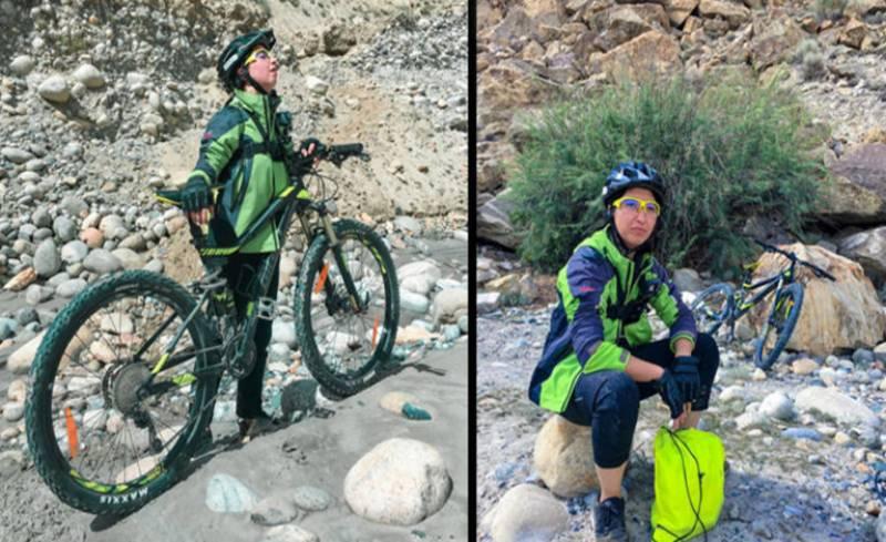 ثمر خان کے ٹو کے بیس کیمپ پر سائیکل لے کر پہنچنے والی پہلی خاتون بن گئیں