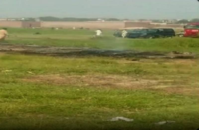 پاک فضائیہ کا تربیتی طیارہ مردان کے قریب گر کر تباہ