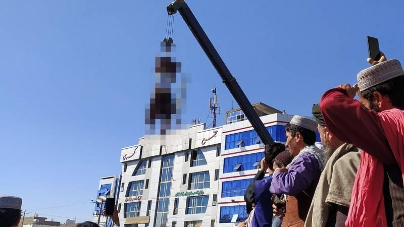 طالبان نے ہرات شہر میں مبینہ اغوا کاروں کی لاشیں سرعام لٹکا دیں