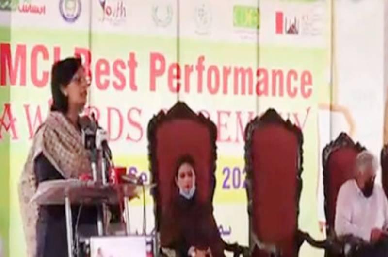 کسی بھی مسئلے کا حل حکومت اکیلے نہیں نکال سکتی: ڈاکٹر ثانیہ نشتر