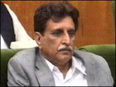آزاد جموں کشمیر کے وزیراعظم راجہ فاروق حیدر خان نے کہا ہے کہ ان کے خلاف تحریک عدم اعتماد ناکام ہوگی ، میاں نوازشریف نے انہیں مکمل تعاون کا یقین دلایا ہے ۔