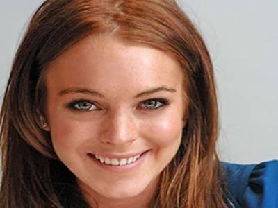 مشہور امریکی اداکارہ لنزسے لوہن جیل جانے سے بچ گئی ہیں۔عدالت نے منشیات چھڑانے کے لیے مزیداڑھائی ماہ کلاس لینے کی ہدایت کردی۔