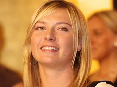 سابق عالمی نمبرایک روسی ٹینس سٹارماریا شراپووا نے باسکٹ بال کھلاڑی ساشا دویا چچ کے ساتھ منگنی کرلی۔
