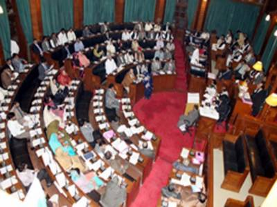 سندھ اسمبلی نے استعمال شدہ سرنجوں کے دوبارہ استعمال کی روک تھام کا بل منظورکرلیا جبکہ ایوان میں صدر پاکستان پر اعتماد کی قرارداد بھی متفقہ طور پر منظور کی گئی