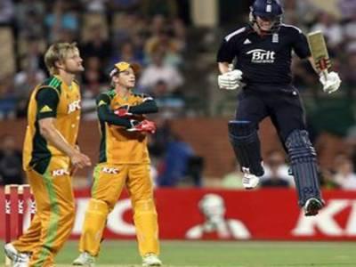 انگلینڈ نے آسٹریلیا کو ٹی ٹونٹی میچ میں شکست دے کر مسلسل آٹھ میچ جیتنے کا نیا عالمی ریکارڈ قائم کردیا ہے