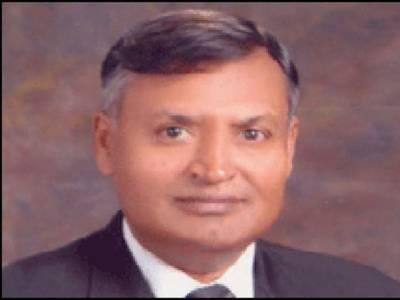 کراچی بارکے صدرمحمد عاقل نے کہا ہے کہ پانچ مارچ کو چیف جسٹس افتخارمحمد چوہدری کراچی بارکے نومنتخب عہدیداروں سے سندھ ہائی کورٹ میں حلف لینگے ۔