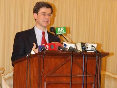 پاکستان میں برطانوی ہائی کمشنرایڈم تھامسن نے کہا ہے کہ شہبازبھٹی کا قتل جمہوریت، برادشت اور مذہبی ہم آہنگی پرحملہ ہے۔