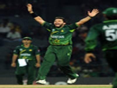 ورلڈ کپ میچ میں پاکستان نے کینیڈا کو سنسنی خیزمقابلے کے بعد چھیالیس رنزسے شکست دے دی
