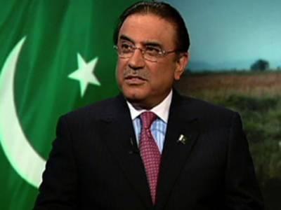 صدر آصف علی زرداری سے گورنرسندھ ڈاکٹر عشرت العباد نے صدارتی کیمپ کراچی میں ملاقات کی ہے، ملاقات میں دونوں رہنماؤں نے ملکی مسائل مل کرحل کرنے پر اتفاق کیا۔
