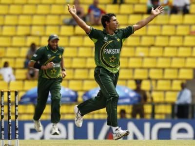 کرکٹ ورلڈ کپ میں زمبابوے کی پاکستان کے خلاف بیٹنگ جاری ہے