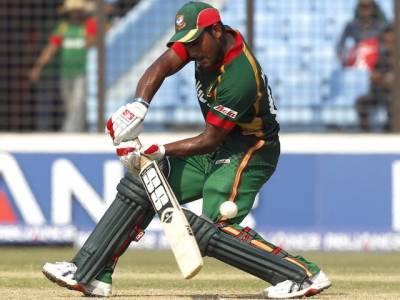 ورلڈ کپ کرکٹ کے بتیسویں میچ میںبنگلہ دیش نے ہالینڈ کو چھ وکٹوں سے شکست دے دی ہے۔