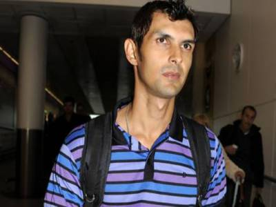 برطانوی میڈیا کے مطابق دھمکی آمیز فون کال موصول ہونے کے بعد لندن میں پاکستانی کرکٹر ذوالقرنین حیدرکو نامعلوم مقام پر منتقل کرکے سیکیورٹی بڑھادی گئی ہے