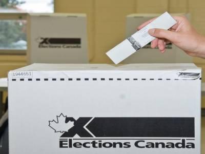 کینیڈاعام انتخابات میں حکمران جماعت نے تین سو آٹھ میں سے ایک سو سڑسٹھ نشستیں حاصل کرکے نمایاں کامیابی حاصل کر لی ۔