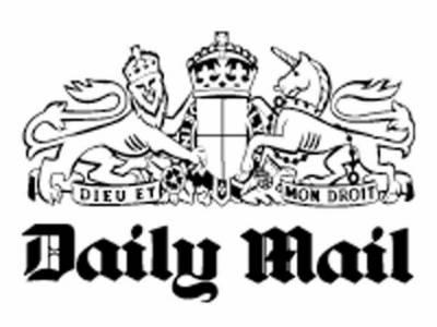 برطانوی اخبار نے دعویٰ کیا ہے کہ روس میں چند روز قبل طیارے کےحادثے میں ہلاک ہونے والے پانچ روسی سائنسدان ایران کو جوہری راز فراہم کررہے تھے۔