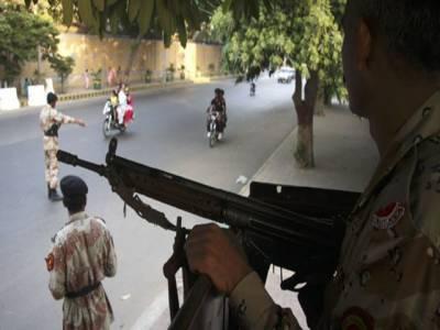 کراچی، بڑھتی ہوئی دہشتگردی کے باعث ایک مرتبہ پھر ڈبل سواری پر پابندی، رینجرز اورپولیس کو نفری بڑھانے کی ہدایات ۔